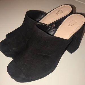 H&M Black Suede Platform Mules Size 6 Gently Used